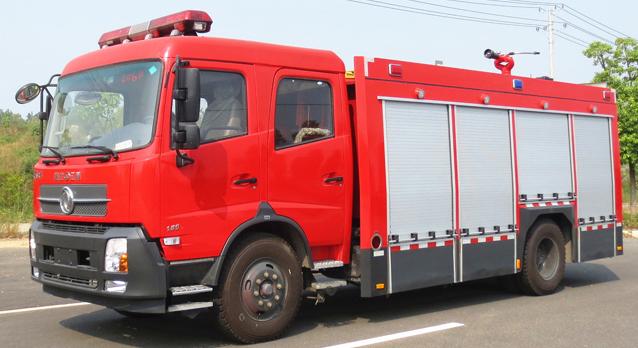东风天锦水罐消防车( 6―7 吨水)